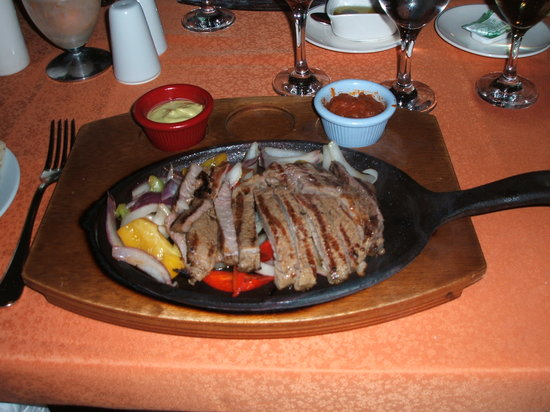 Barut Lara Resort Spa & Suites: Yummy sizzler at the Turunc