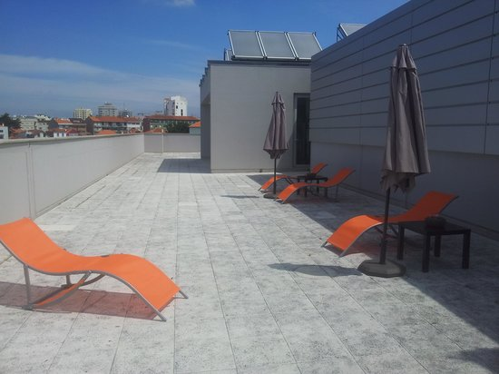 Serviced Apartments Boavista Palace: terrasse au dernier etage de l'immeuble