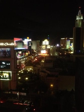 Mandarin Oriental, Las Vegas: Night time view from room 902
