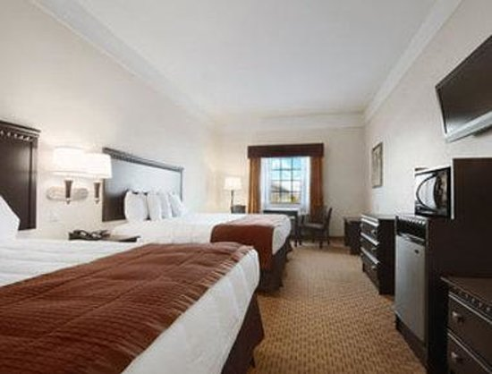 Baymont Inn & Suites Galveston: King Suite
