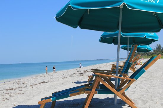 Tween Waters Inn Island Resort & Spa: beautiful beach