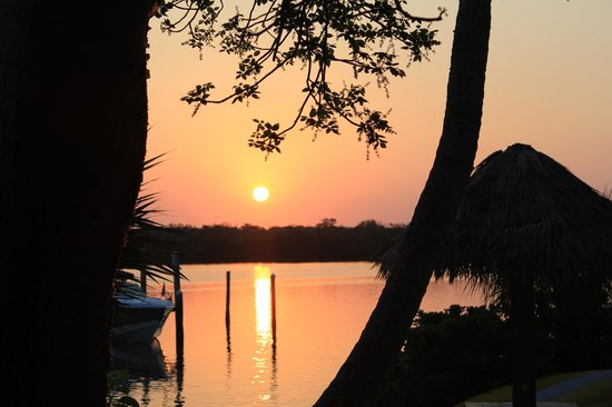 Tween Waters Inn Island Resort & Spa: sunrise at the Tween Marina