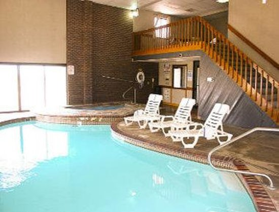 Emporia, KS: Indoor Pool and Spa