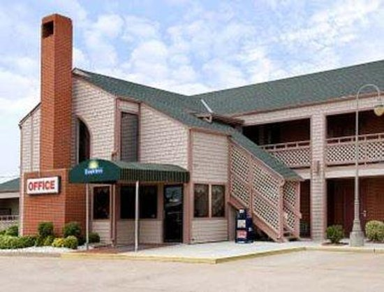 Days Inn Wichita West-Near Airport: Welcome to the Days Inn West - Wichita, KS