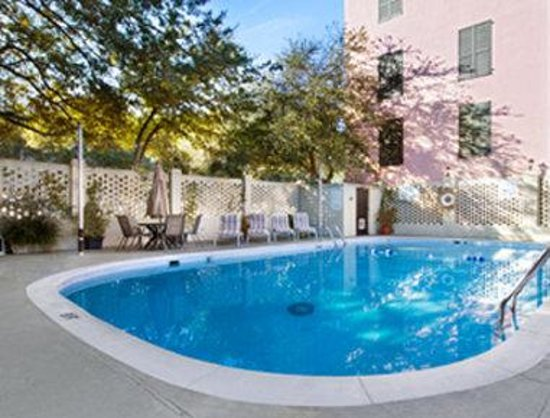 Charleston - Days Inn Historic District : Pool