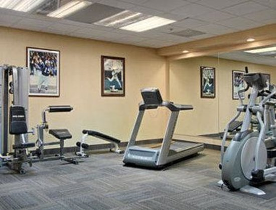 Days Inn Inner Harbor: Fitness Center