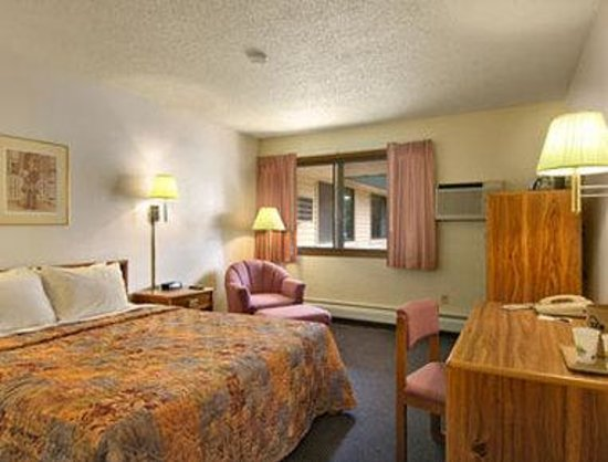 Days Inn Fort Collins: Standard One Queen Bed Room