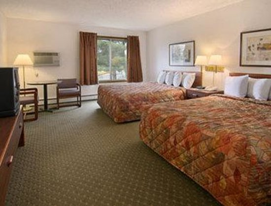 Days Inn Bozeman: Standard Two Queen Bed Room