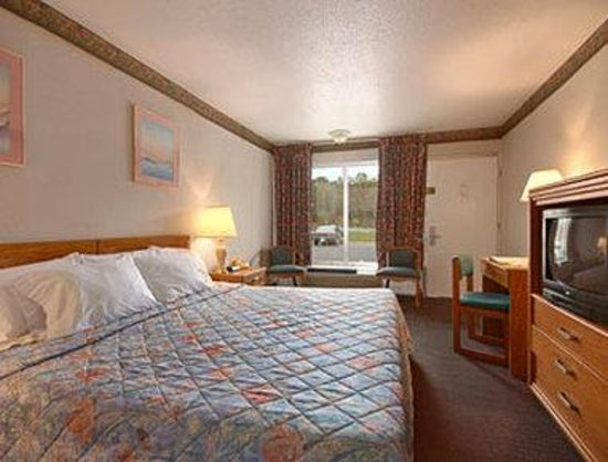 Days Inn Christiansburg: Standard King Bed Room
