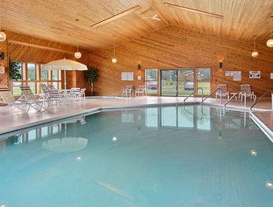 Eagle River, WI: Pool