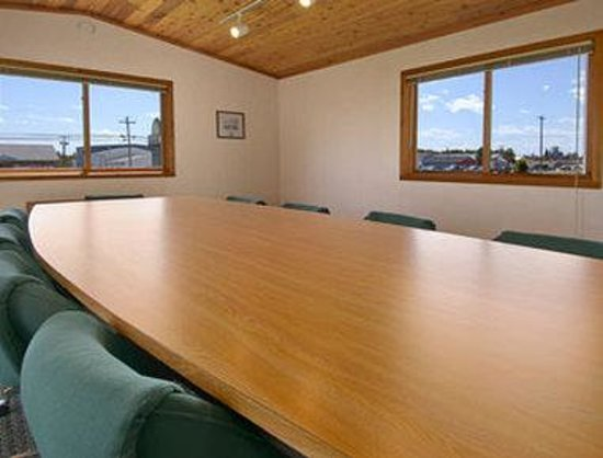 Days Inn Alpena: Board Room