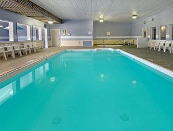 Days Inn Alpena: Pool
