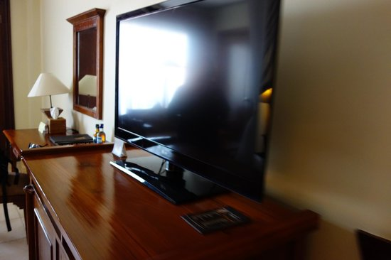 Ramayana Resort & Spa: The Tv