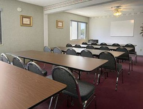 Hillsdale, MI : Meeting Room