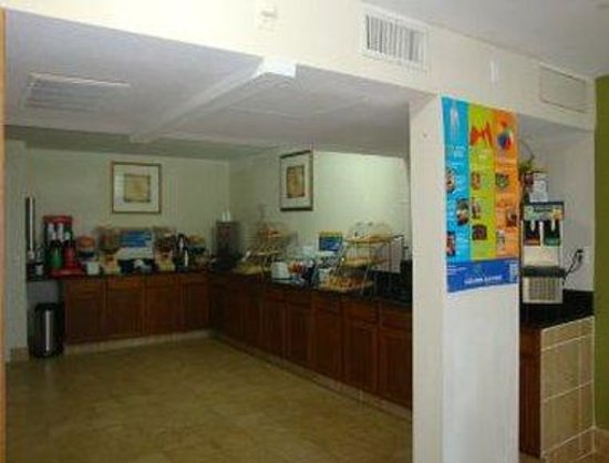 Days Inn & Suites: Breakfast Area