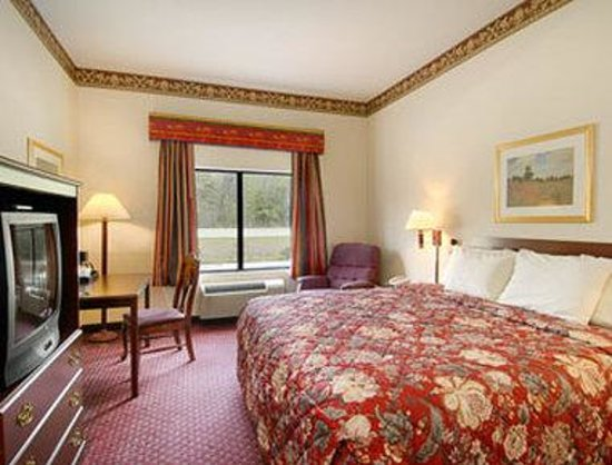 Jesup, GA: Standard King Bed Room