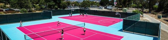 Madonna Inn: Tenniscourts