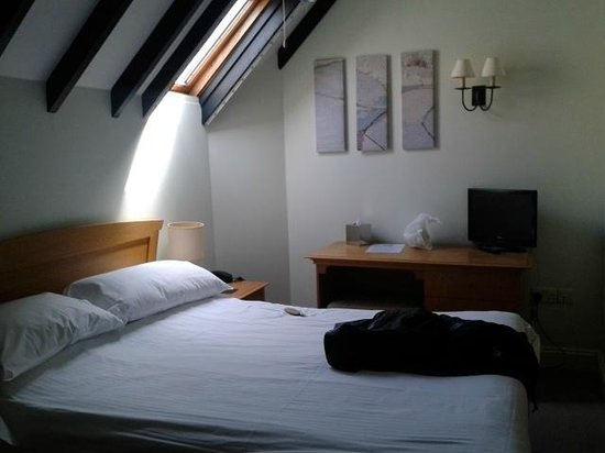 Slipway Hotel: Room