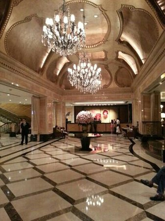 The Langham, HongKong: Nice ambiance at lobby