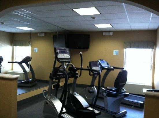 Holiday Inn Express Middlesboro: Fitness Center with state of the art equipment