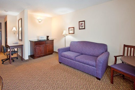Holiday Inn Express Osage Beach: Deluxe Room