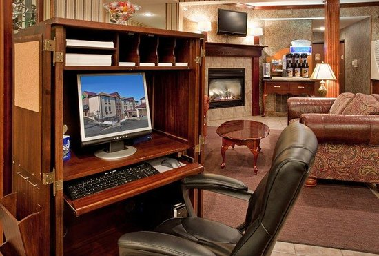 Holiday Inn Express Osage Beach: Business Center