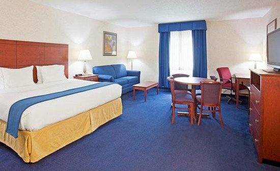 DeForest, WI: Executive King Guest Room
