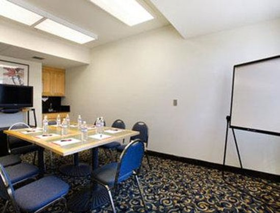 Williams, CA: Meeting Room