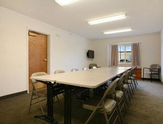 Microtel Inn & Suites by Wyndham Springfield: Meeting Room
