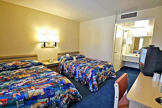 Motel 6 Salinas South: MDouble