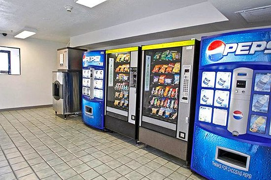 Motel 6 Salinas South: MVending