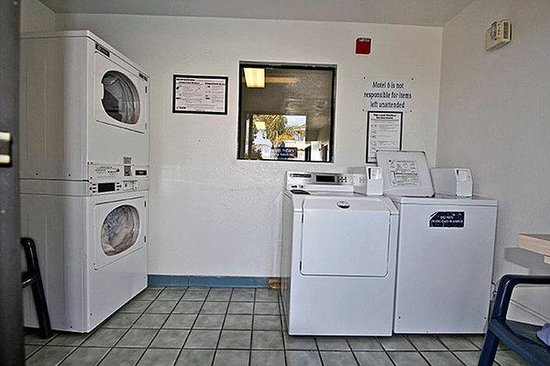 Motel 6 Salinas South: MLaundry