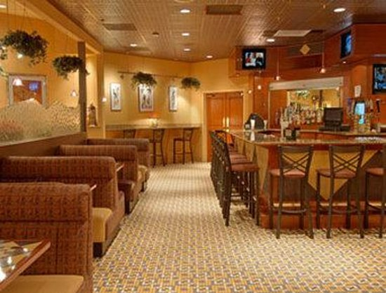 Ramada Toms River: Angles Lounge