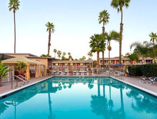 Travelodge San Diego Mission Valley: Pool