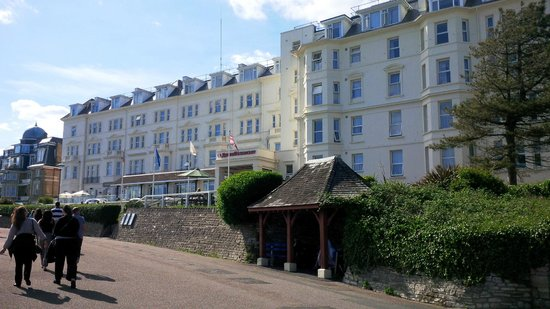 Bournemouth Highcliff Marriott Hotel: Front of Hotel
