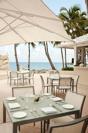 Casa Marina, A Waldorf Astoria Resort: Breakfast every day - right HERE !!!!