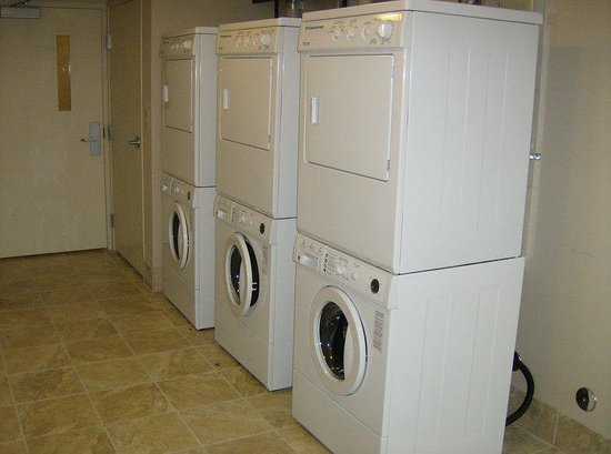 Staybridge Suites Davenport: Davenport Staybridge Suites Laundry Facility