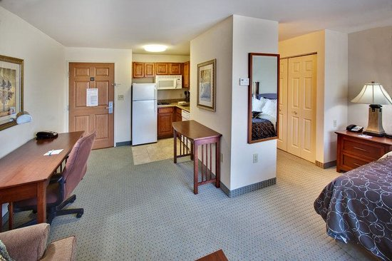 Staybridge Suites Davenport: Superior Room