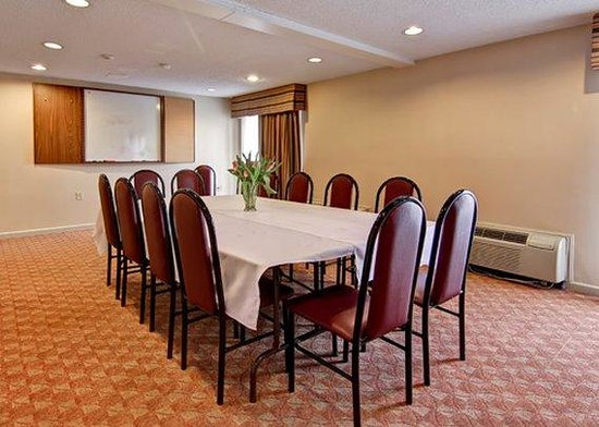 Ingersoll, Canada: meeting room