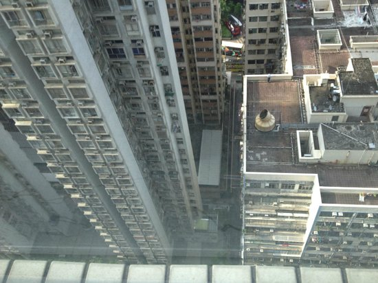 Traders Hotel, Hong Kong: Dont Look Down.....