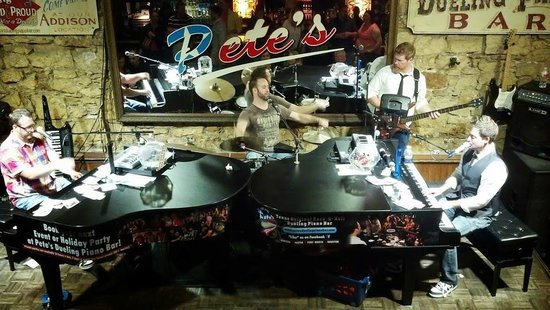 Piano Bar Musicians - Picture of Pete's Dueling Piano Bar, Austin ...