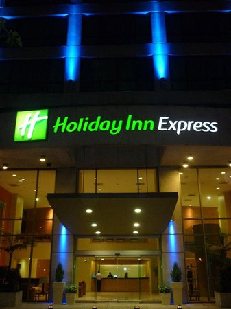 Holiday Inn Express Mexico Reforma: Entrance