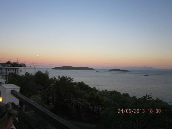 Villa Apollon Skiathos: View from the pool