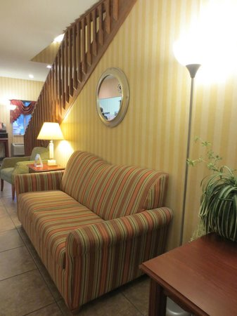 Comfort Inn: Check in/out area