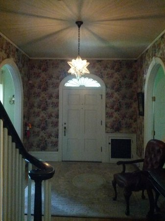 Stony Point Bed & Breakfast: front entry