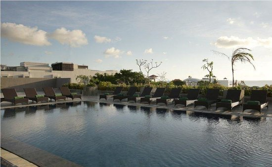 Champlung Mas Hotel: Rooftop Swimming Pool