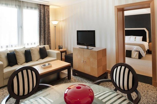 Holiday Inn Kuwait Downtown: Junior Diplomatic Suite