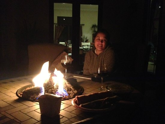 Belvino Viaggio: Dinner on the patio by the fire