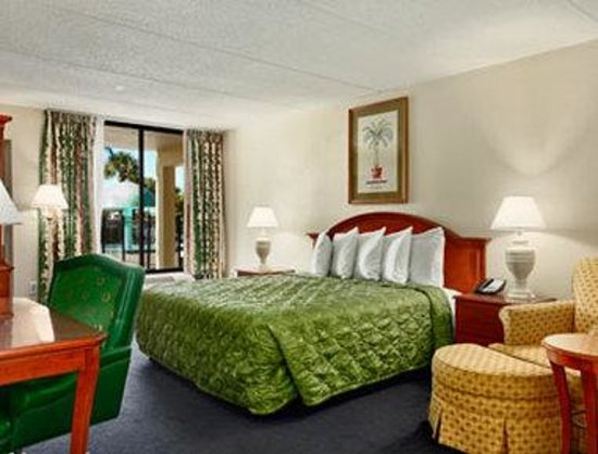 Days Inn Orlando / Airport / Florida Mall: Standard King Bed Room