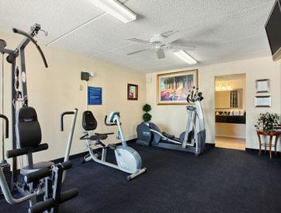 Days Inn Orlando / Airport / Florida Mall: Fitness Center